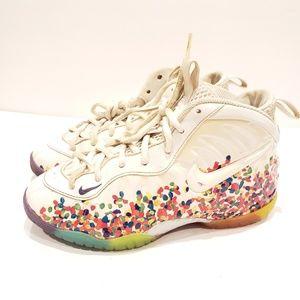 Nike foamposite fruity pebbles size 3y